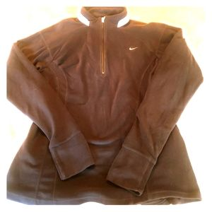 Nike womans 1/4 zip